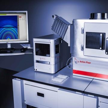 SAXSpoint 2.0 - Sistema de Laboratório Versátil SAXS/ WAXS/ GISAXS